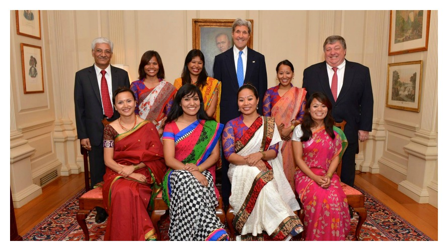 The Seven Women with Secretary of State John Kerry (photo c/o Seven Women Seven Summits)